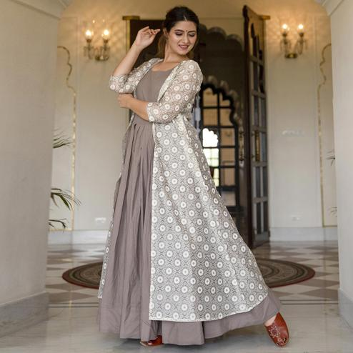 Imposing Grey Colored Partywear Designer Digital Printed Maslin Gown