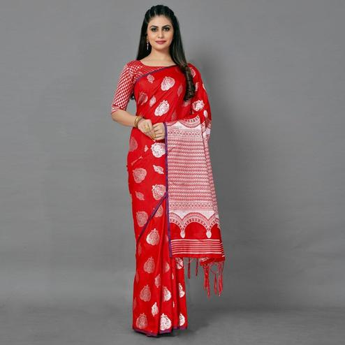 Red Festive Silk Blend Woven Saree With Unstitched Blouse