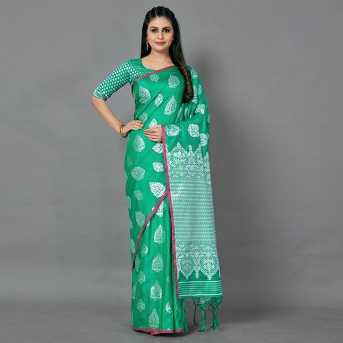 Green Festive Silk Blend Woven Saree With Unstitched Blouse