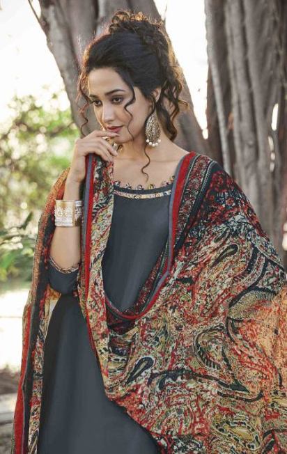 Graceful Gray Colored Casual Wear Printed Heavy Cotton Patiyala Dress Material