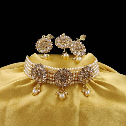 ZaffreCollections - Multistrand Gold Beads and Stones Traditional Choker Necklace & Maang Tikka & Maang Tikka Set for Women