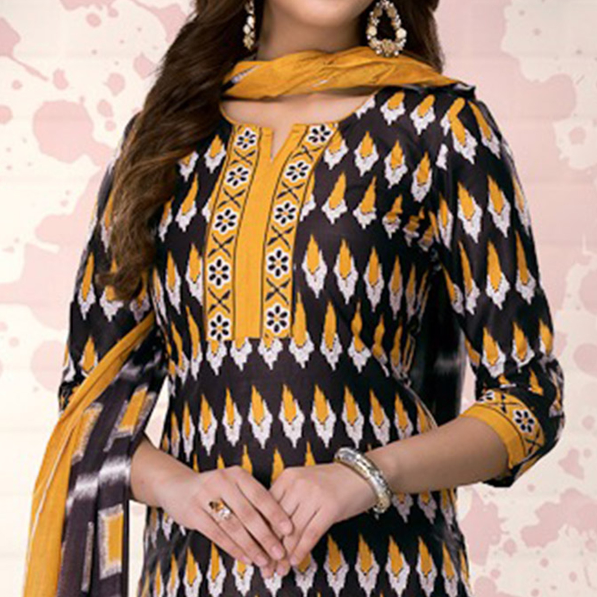 Black-Yellow Colored Casual Printed Pure Cotton Dress Material