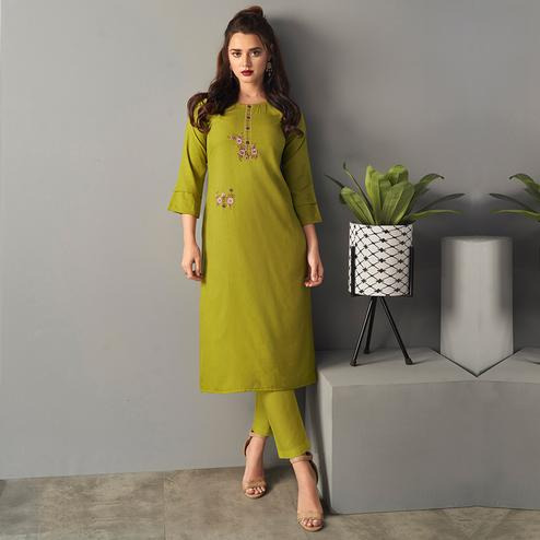 Jazzy Green Colored Partywear Embroidered Pure Viscose Kurti With Pant