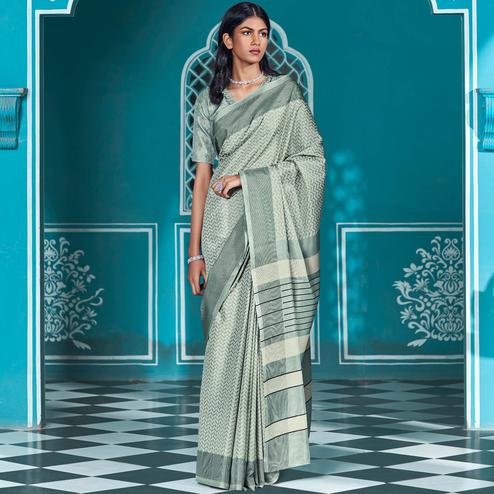 Staring Green Coloured Casual Wear Printed Cotton Saree
