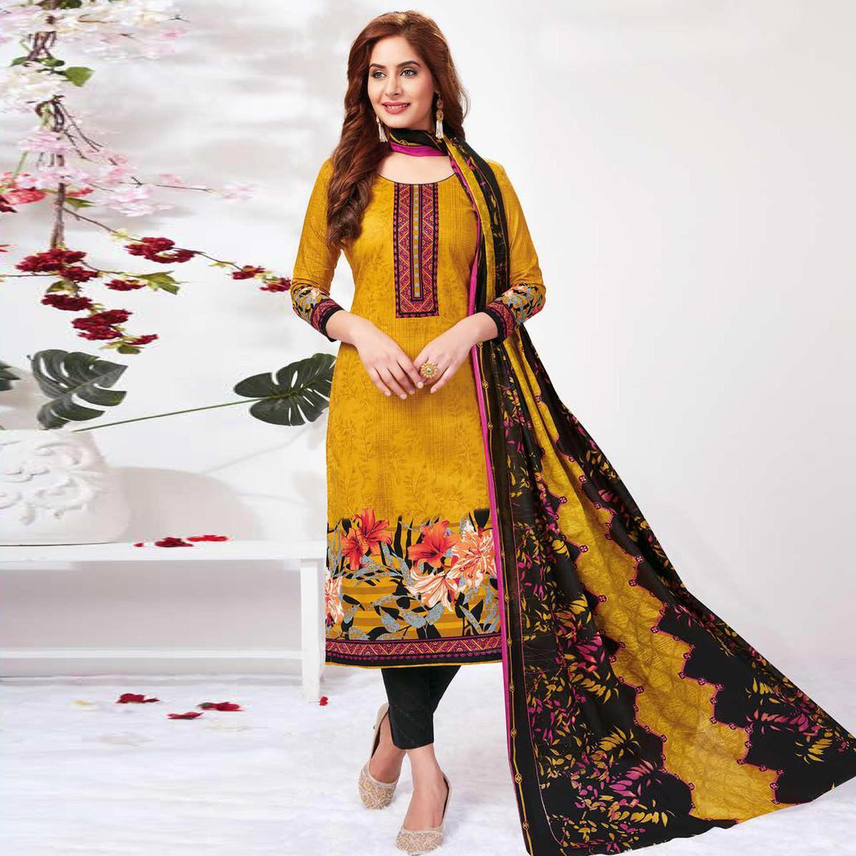 Gleaming Yellow Colored Casual Wear Printed Pure Cotton Dress Material