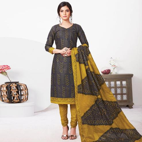 Magnetic Black Colored Casual Wear Bandhani Printed Pure Cotton Dress Material