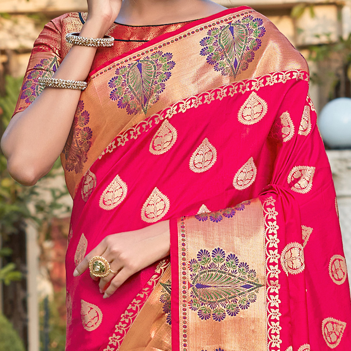 Groovy Pink Coloured Partywear Woven Silk Saree