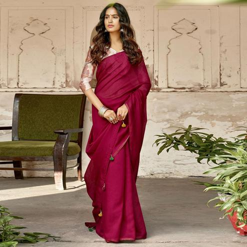 Triveni Magenta Pink Colored Chanderi Silk Solid Saree With Blouse Piece