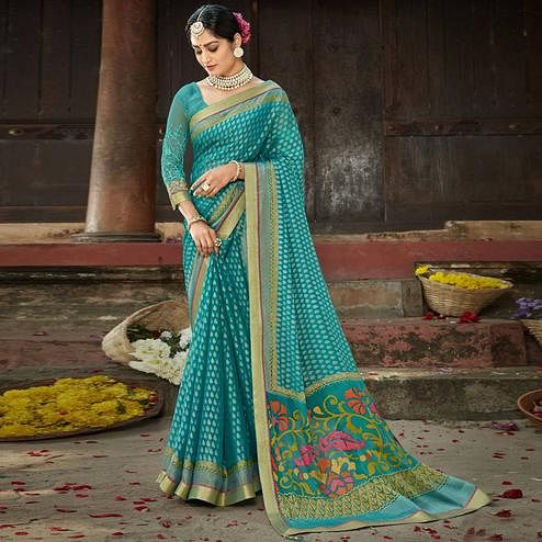 Triveni Turquoise Colored Chiffon Abstract Printed Saree With Blouse Piece